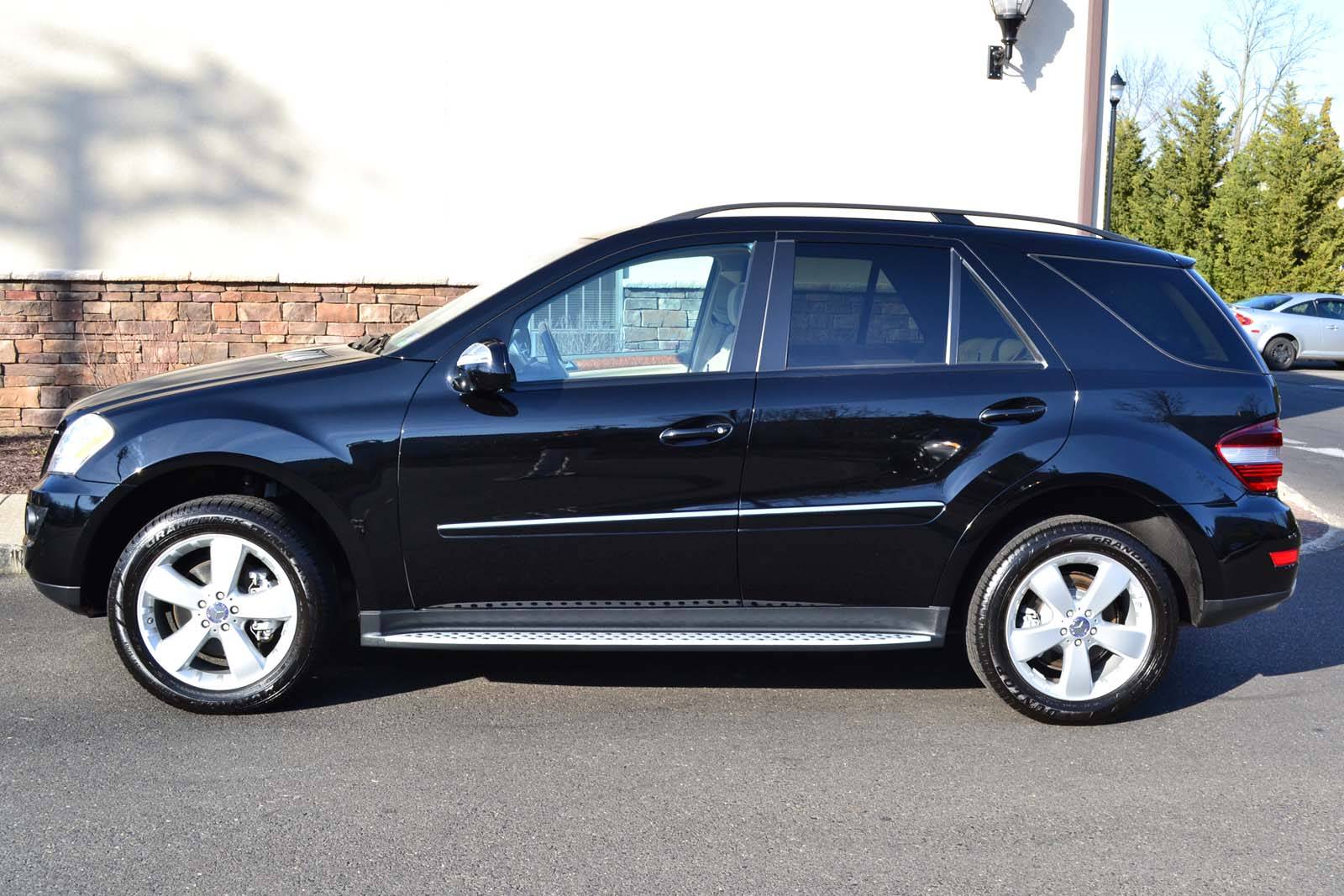 2009 mercedes benz ml350 4matic pre owned. Black Bedroom Furniture Sets. Home Design Ideas