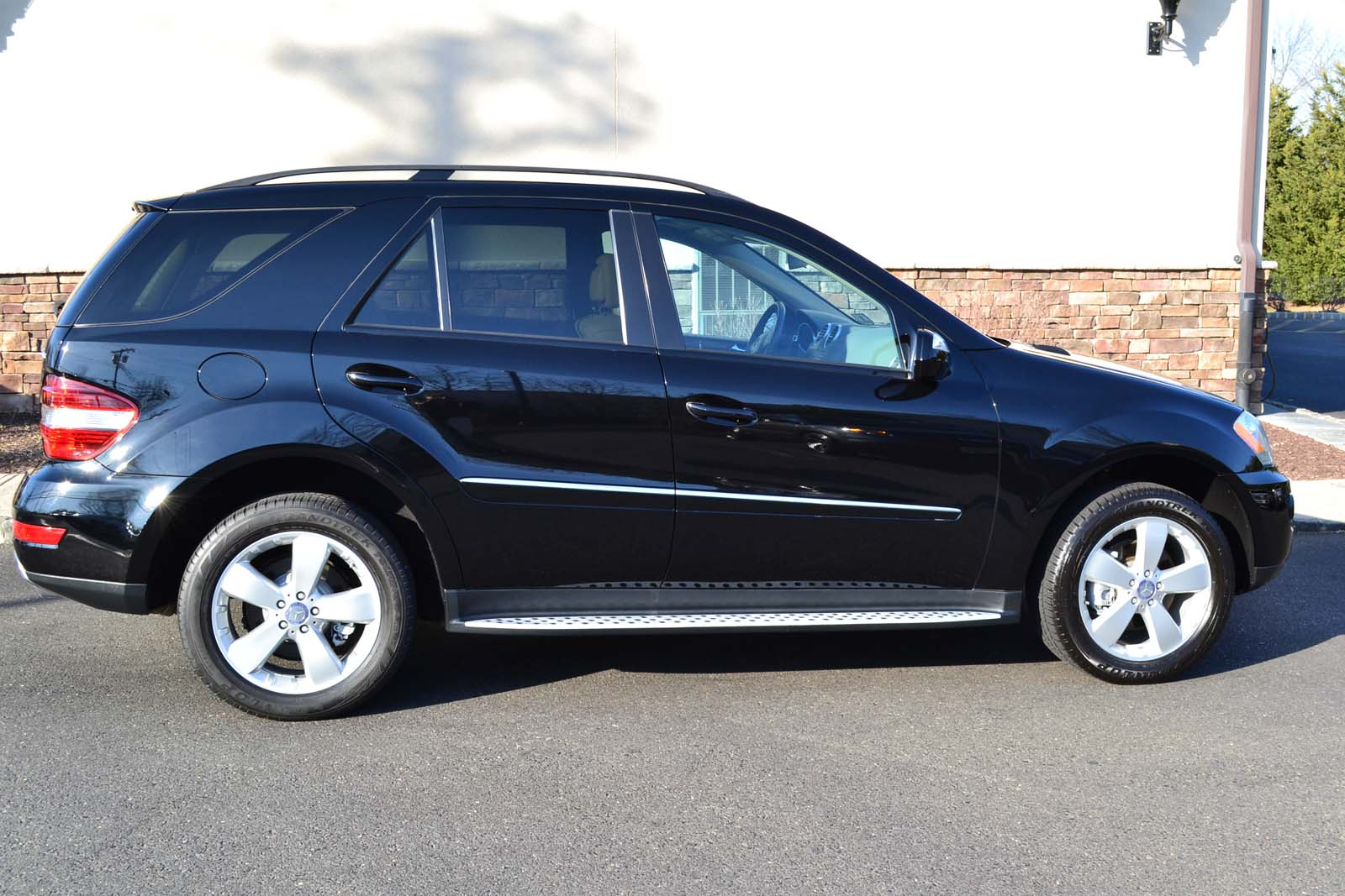 2009 mercedes benz ml350 4matic pre owned for Mercedes benz ml price