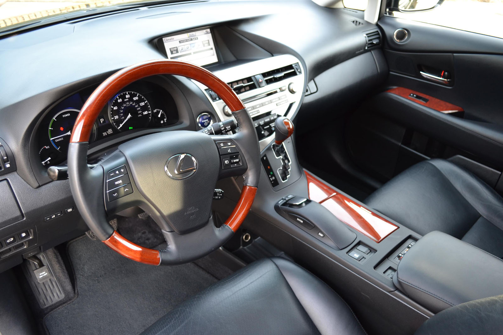 Make lexus model rx450h trim hybrid body type suv exterior color black interior color black leather engine 3 5l v 6 hybrid