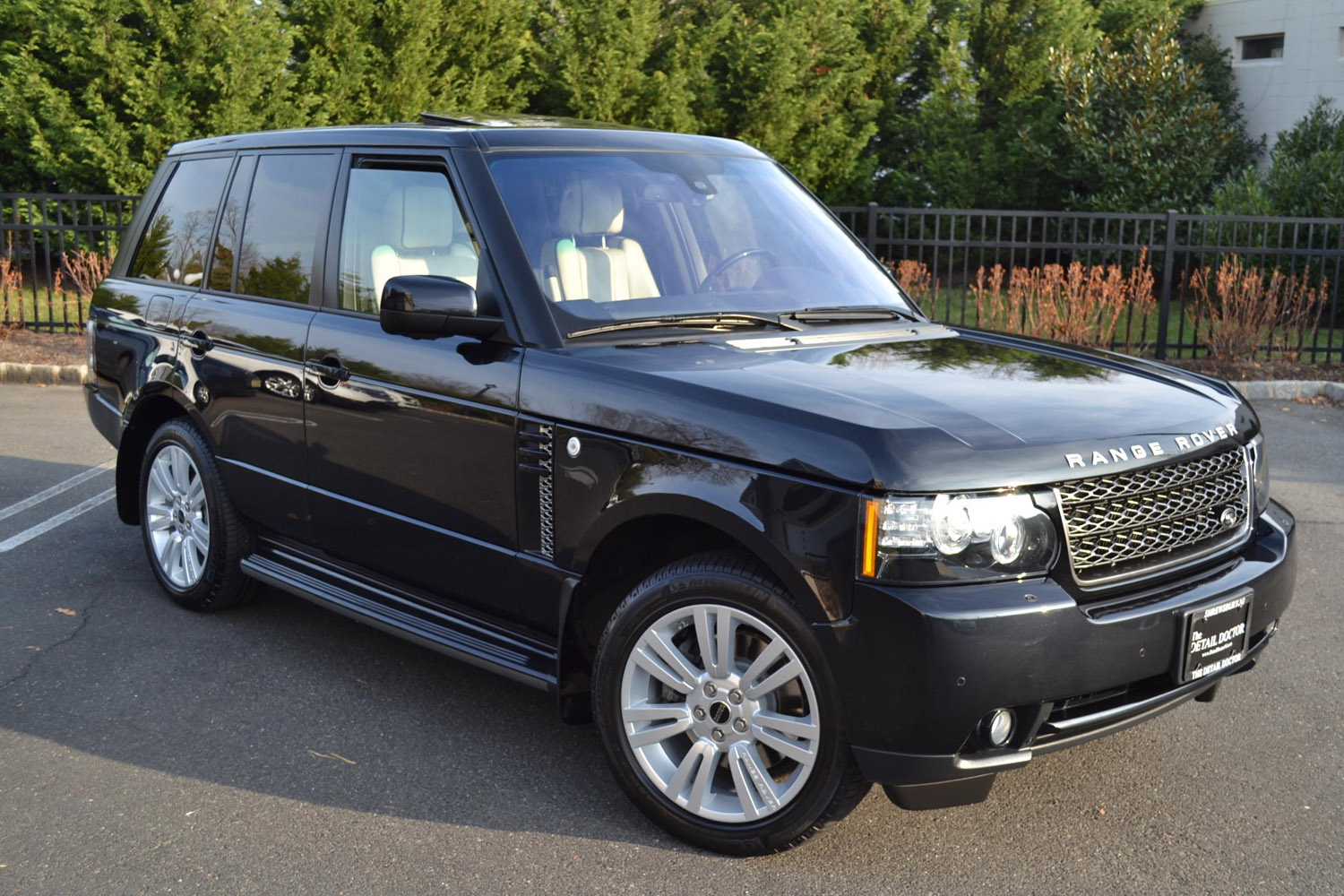 2012 range rover hse luxury pre owned. Black Bedroom Furniture Sets. Home Design Ideas