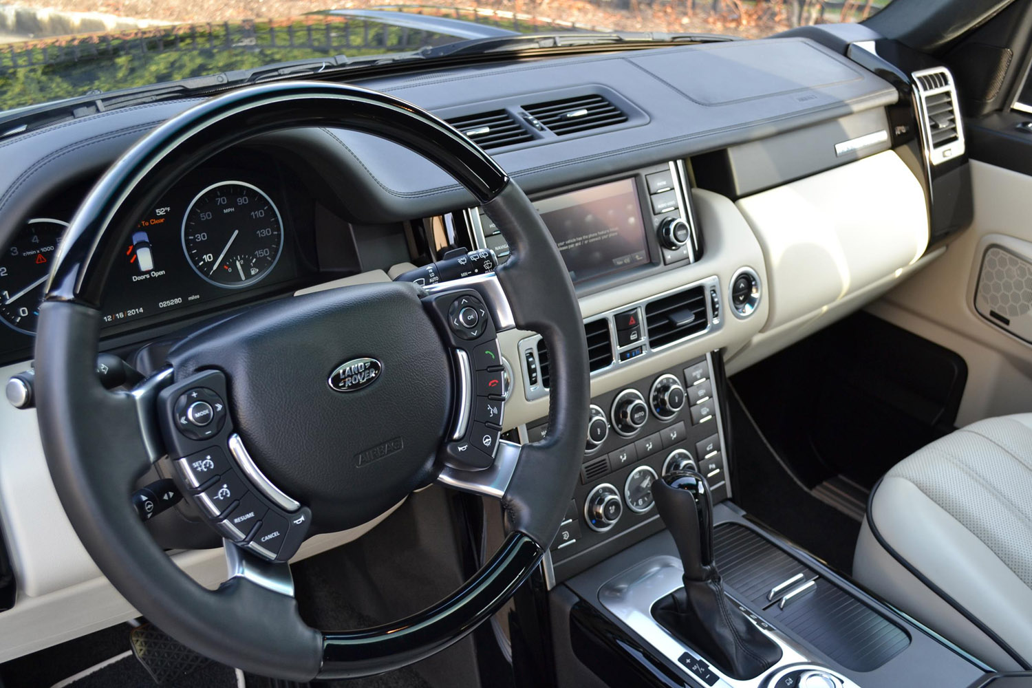 range rover hse 2012 interior images galleries with a bite. Black Bedroom Furniture Sets. Home Design Ideas